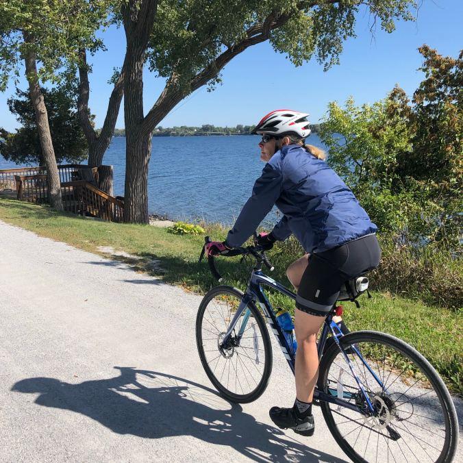 Cycling Isle La Motte